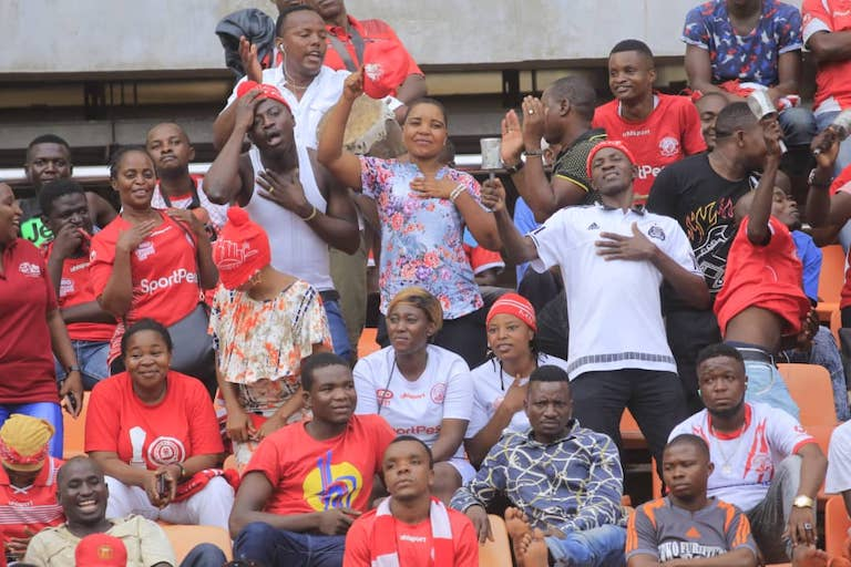 OH NO! Simba SC fans look on dejected after their team conceded a second goal to Bandari FC during their 2019 SportPesa Cup semi final at the Main National Stadium, Dar-es-Salaam on Friday, January 25, 2019. PHOTO/SPN