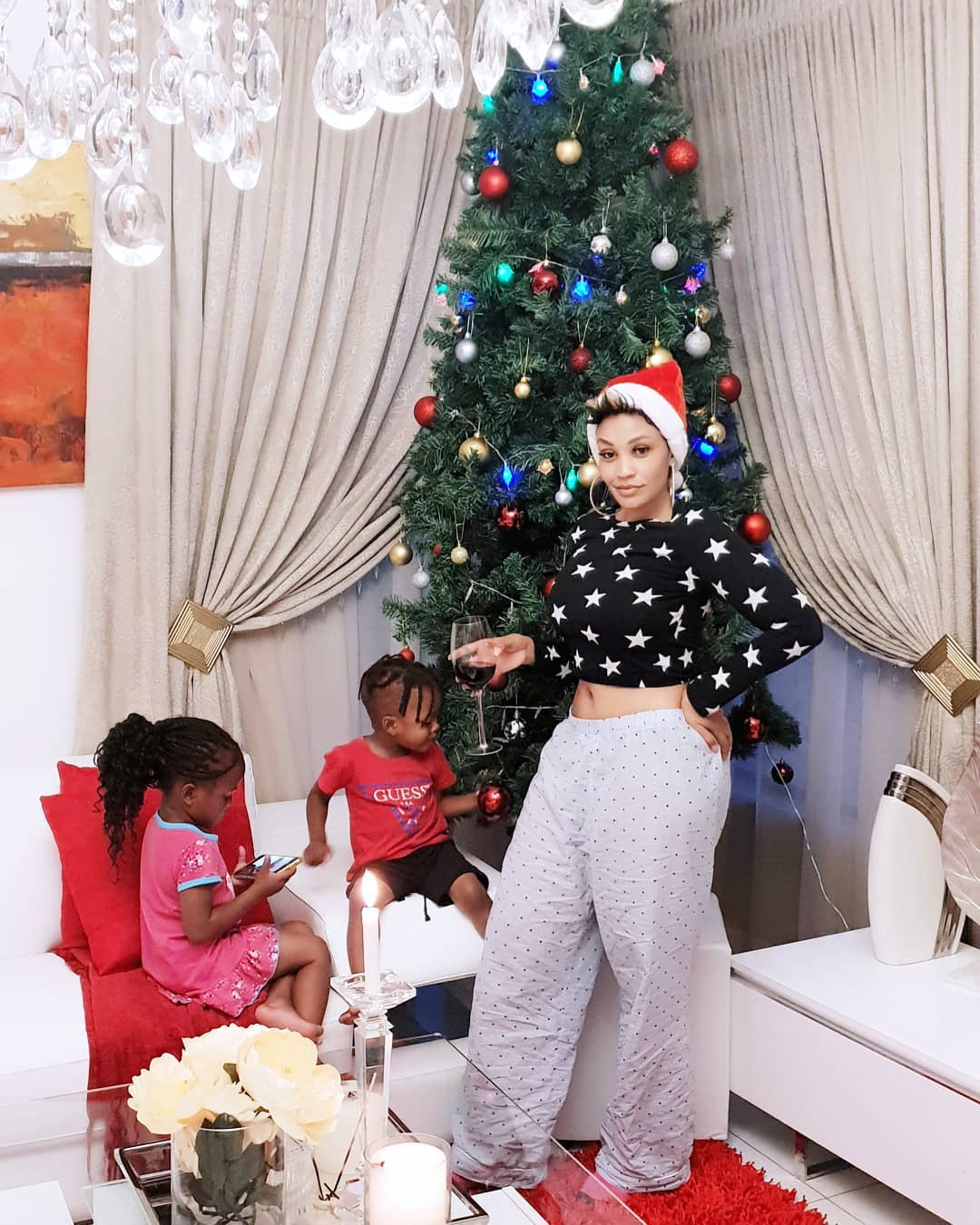 Zari-enjoying-time-with-the-two-kids-she-shares-with-Diamond