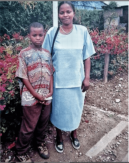 DK Kwenye Beat with his mother